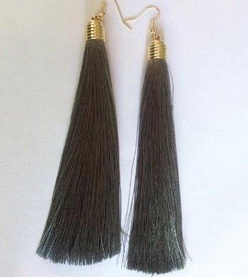 Lange Tassel oorbellen grijs