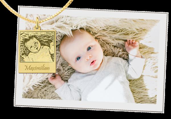 gouden hanger met foto en tekst