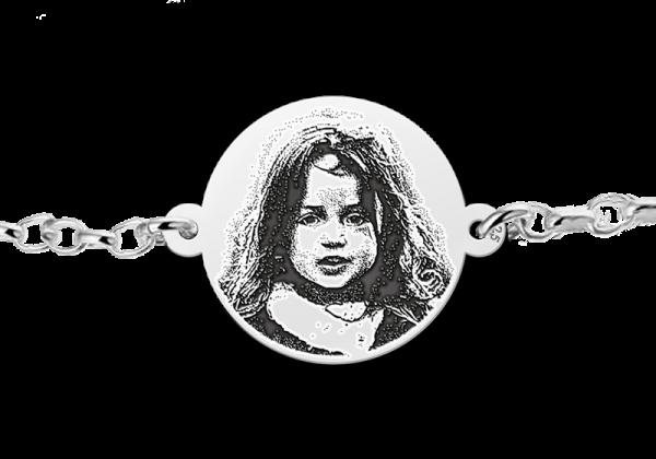 zilveren-armband-met-foto-gegraveerd-in-rondje